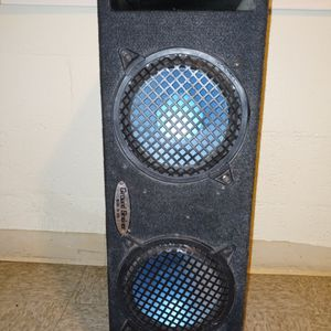 """8"""" Subwoofers In The box Works good for Sale in Carson, CA"""