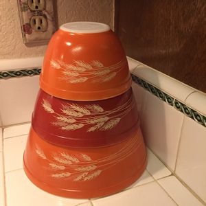 4 PC SET - VINTAGE PYREX AUTUMN HARVEST NESTING BOWLS (3) & LARGE NESTING PYREX MIXING BOWL (1) for Sale in Ontario, CA