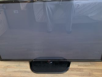 LG 60 Inch Plasma With Remote Good Condition for Sale in Medina,  WA
