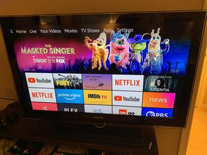 40 inch Samsung HDTV TV with fireTV and original remote for Sale in Cumming, GA