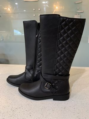 Brand New Girls Kohl's Size 2 Black Boots for Sale in Orlando, FL