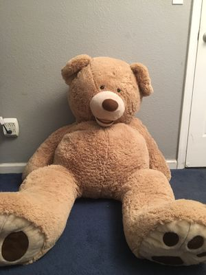GIANT BEAR, 5'3 FT TALL (NEGOTIABLE) for Sale in Antioch, CA