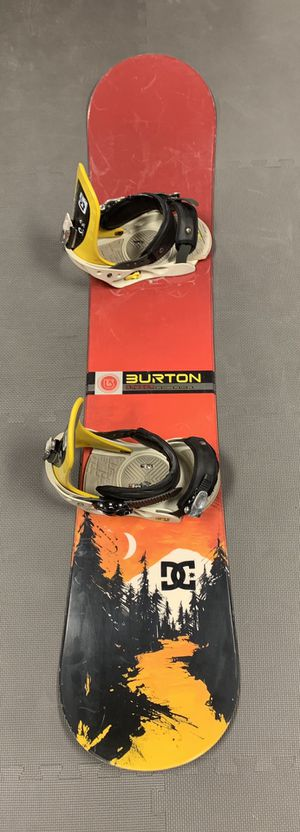 Burton snowboard and bindings with warranty for Sale in Las Vegas, NV