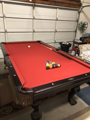 Brunswick Greenbriar II Cherry Pool Table 8' Red Felt for Sale in San Ramon, CA