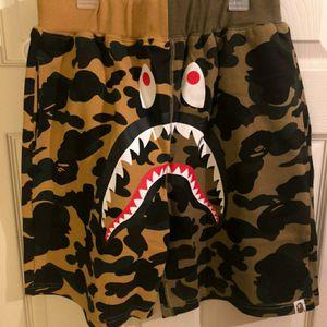 Bape shark shorts L for Sale in New Orleans, LA