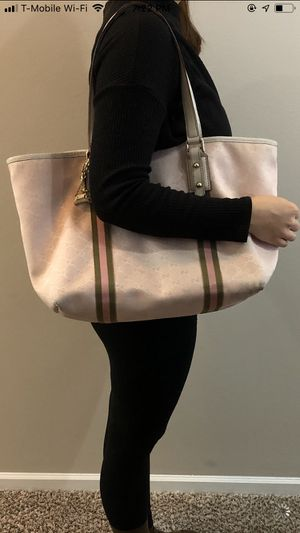 Gucci pink tote bag for Sale in Bolingbrook, IL
