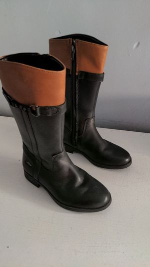 Clarks leather girl boots used excellent condition size 11 for Sale in Santa Ana, CA