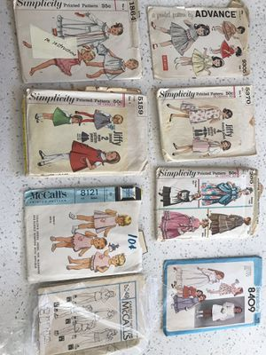 Lot of vintage women's, girls, and doll patterns 1950s, 60s, 70s, 80s, 90s for Sale in Chula Vista, CA
