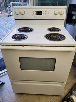 Maytag Electric Stove/ Range, Self Cleaning for Sale in Virginia Beach,  VA