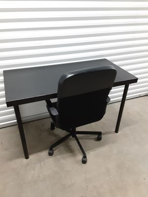 IKEA desk and office chair for Sale in Hialeah, FL