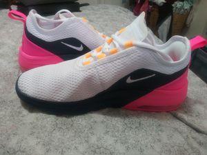 Brand New Unworn Nike Women's Air Max Motion 2 size 8.5 for Sale in San Antonio, TX