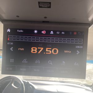 Car Stereo And Screen for Sale in Carson, CA