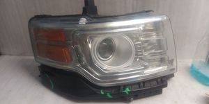 2009 2010 2011 2012 Ford Flex headlight for Sale in Lynwood, CA