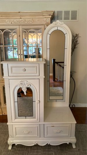 Miss America Tall Chest with Mirror for Sale in Yardley, PA
