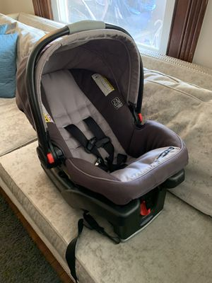 Graco Infant Car seat with base for Sale in Bryn Mawr, PA