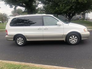 ONE OWNER 2005 KIA SEDONA 7 PASSENGER ONLY 105K!!!! CLEAN TITLE!!! SUNROOF!!DRIVES GREAT!! CLEAN INSIDE AND OUT!! for Sale in Laurel, MD