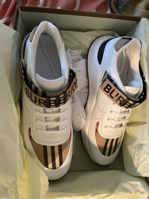Burberry shoes for Sale in Duncanville, TX
