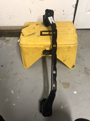 Crossmember for Toyota Tacoma for Sale in Mukilteo, WA