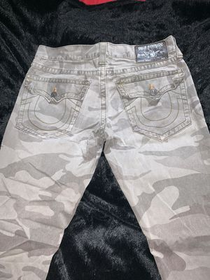 True Religion Camo Pants ! Size 33 for Sale in Pittsburgh, PA