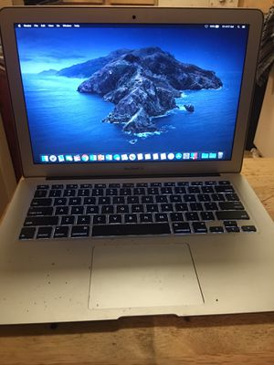 MUST GO MACBOOK AIR EARLY 2015 13.3in intel i5 processor/128gb/8gb Final Cut Pro X, Parallels desktop running Windows 10 and More for Sale in Oxon Hill, MD