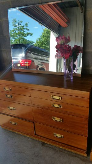 ANTIQUE DRESSER 8 DRAWERS WITH BIG MIRROR for Sale in Fairfax, VA