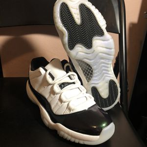 Nike Air Jordan Retro 11 Low Emerald Green Size 9.5 for Sale in Burkeville, VA