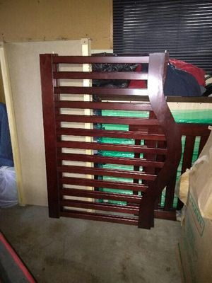 **NEVER USED** Baby crib/beginner bed combo for Sale in Laurel, MD