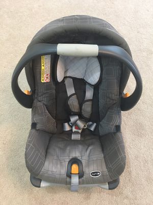 Chicco Key Fit 30 car seat for baby with base and adapter for stroller . for Sale in Feasterville-Trevose, PA