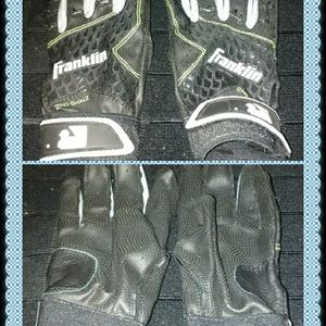 Boy's Franklin Baseball Gloves for Sale in Bakersfield, CA