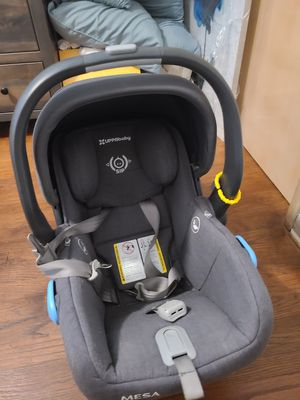 Uppababy Mesa infant car seat for Sale in Parma, OH
