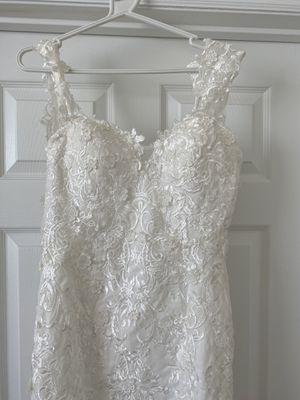 Wedding dress Size 2/4 for Sale in Orlando, FL