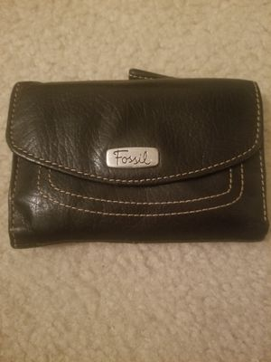 Fossil genuine leather wallet- black for Sale in Arlington, VA