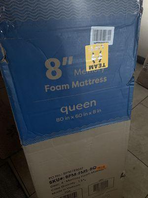 """8"""" queen memory foam mattress for Sale in Las Vegas, NV"""