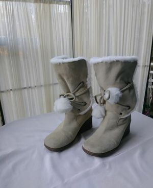 SUEDE WINTER WITH FAUX FUR CUFF BOOTS. for Sale in Mill Creek, WA