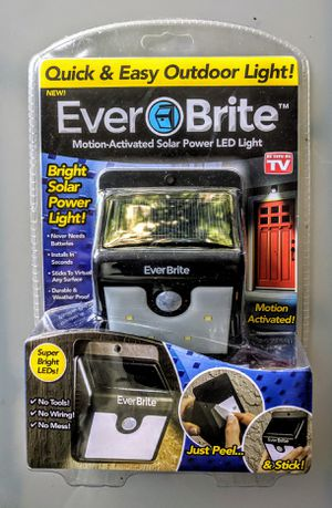 EverBrite Ever Brite Motion Activated Solar LED light NEW UNOPENED for Sale in Chicago, IL