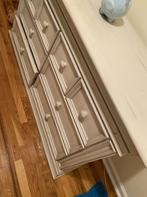 antique beige dresser for Sale in Queens, NY