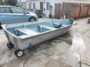 1985 14ft Valco Boat. Ready for lake or ocean today. 5 Rod holders. Great for Lobster fishing.. Boat and wheels only. Tags current for Sale in Los Angeles, CA