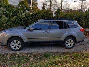 subaru outback premium , 2011 for Sale in MAYFIELD VILLAGE, OH