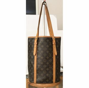 Authentic Louis Vuitton Bucket GM Shoulder Tote Bag for Sale in West Covina, CA