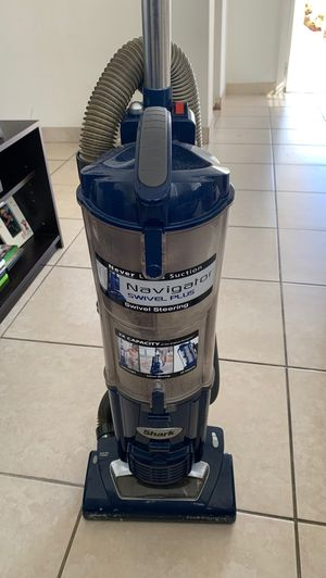 Shark vacuum for Sale in Fort Lauderdale, FL