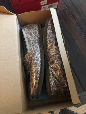 Glitter Giraffe Print Toms Shoes for Sale in Chicago, IL