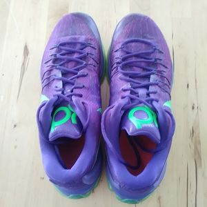 11.5 KD BASKETBALL SHOES for Sale in Irvine, CA