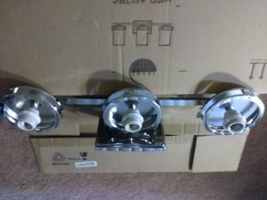 3 light wall fixture for Sale in Forest Heights, MD
