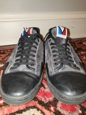 LOUIS VUITTON SNEAKER - US 8.5 - LIMITED CAMO - BARLEY WORN for Sale in Boston, MA