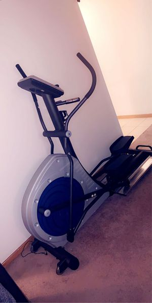 Elliptical exercise machine for Sale in Rochester Hills, MI