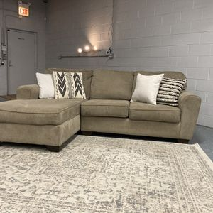 FREE DELIVERY Sectional Couch for Sale in Des Plaines, IL