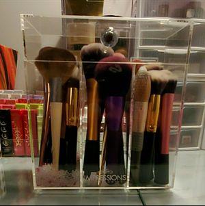 Impressions Vanity Makeup Brush Organizer for Sale in Lincoln Park, MI