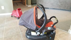 combi carseat with base for Sale in Laddonia, MO