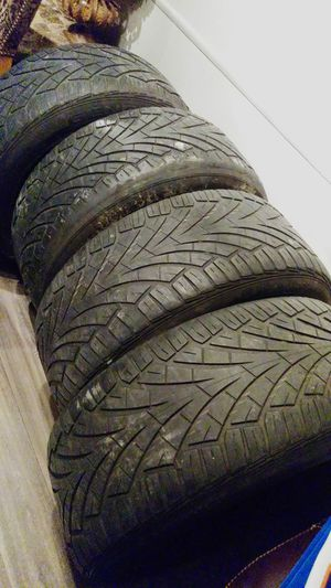 LLANTAS. GENERAL 305/45 R22 CON 80% DE VIDA for Sale in Grand Prairie, TX