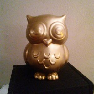 Large Gold owl decor ceramic figure for Sale in Castle Hills, TX